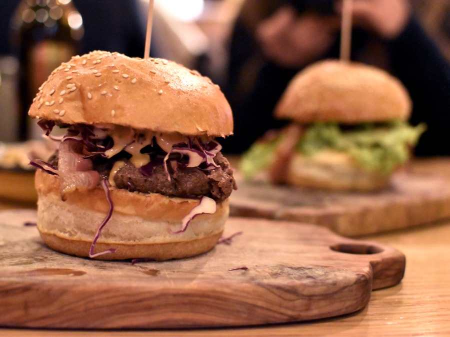 There's No Such Thing as Too Many Burgers, or Is There? – Submarine BBQ Zagreb